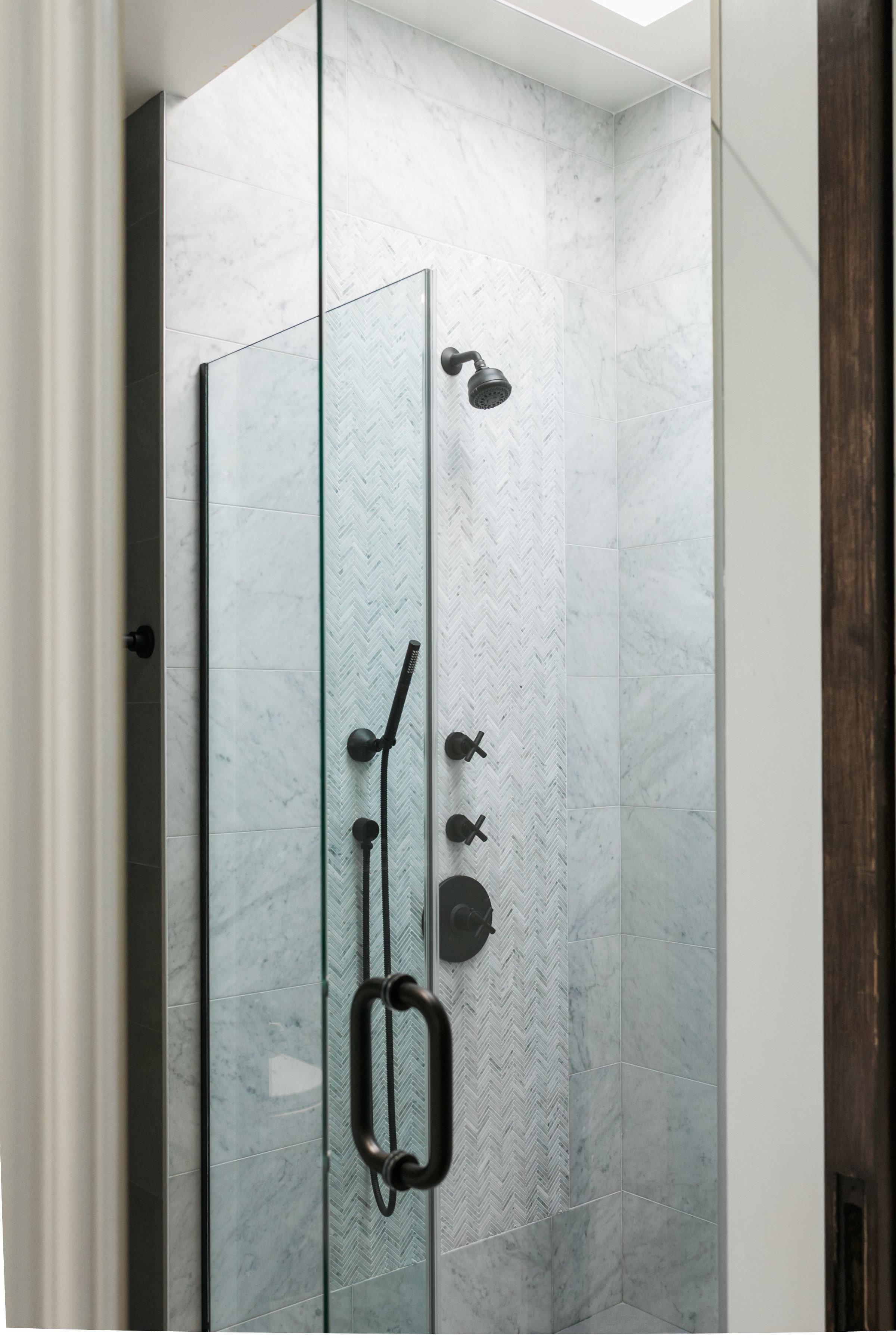 Bathroom_1_003.jpg