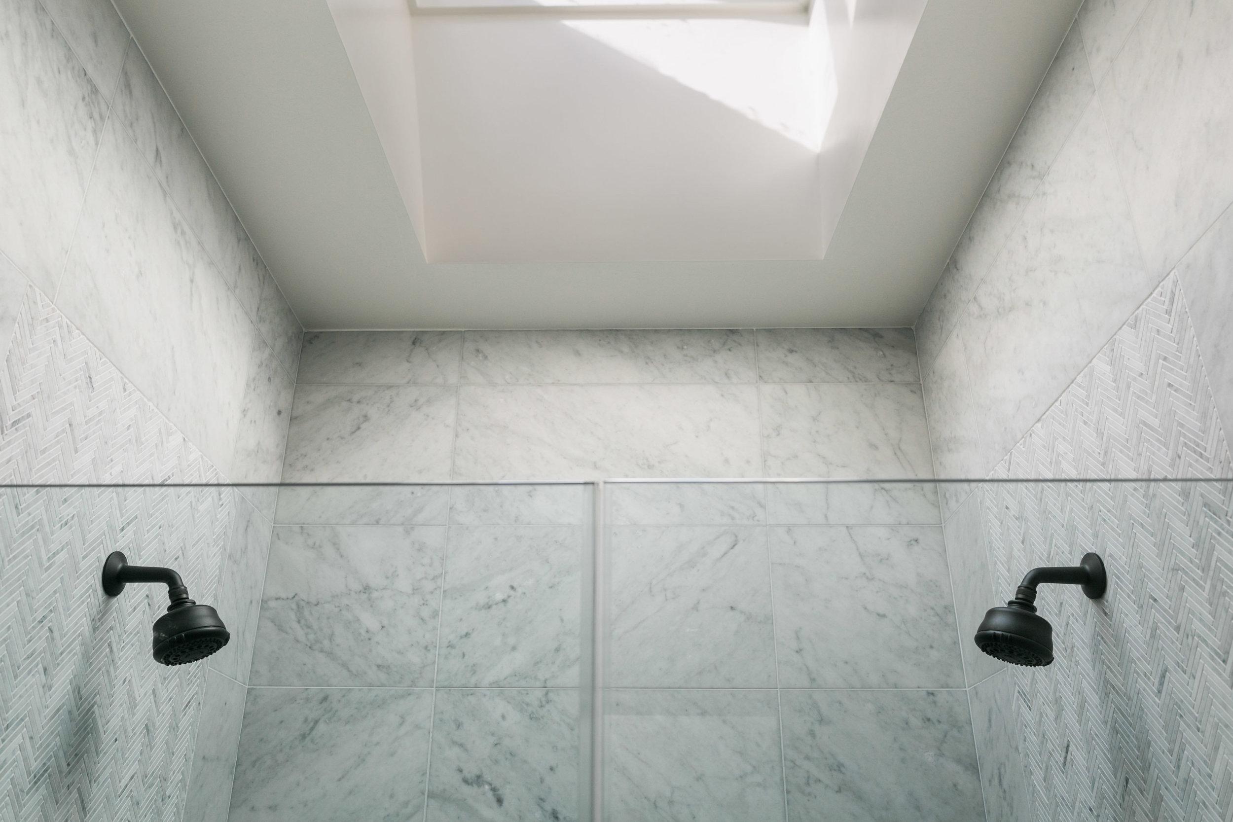 Bathroom_1_004.jpg