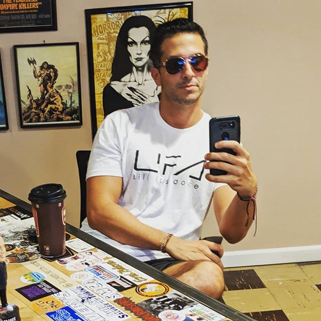 Just a man taking a selfie of himself. No big deal. Great episode today. Be sure to subscribe to our YouTube channel. Link in bio. Will be up sometime this week.  #podcast #podlife #vloggers #vlog #jimbosback #oneshowonly #vlog #nophonypodcastnetwork #podcasts #conspiracytheories #conspiracytheory #selfie #vampira #conanthebarbarian
