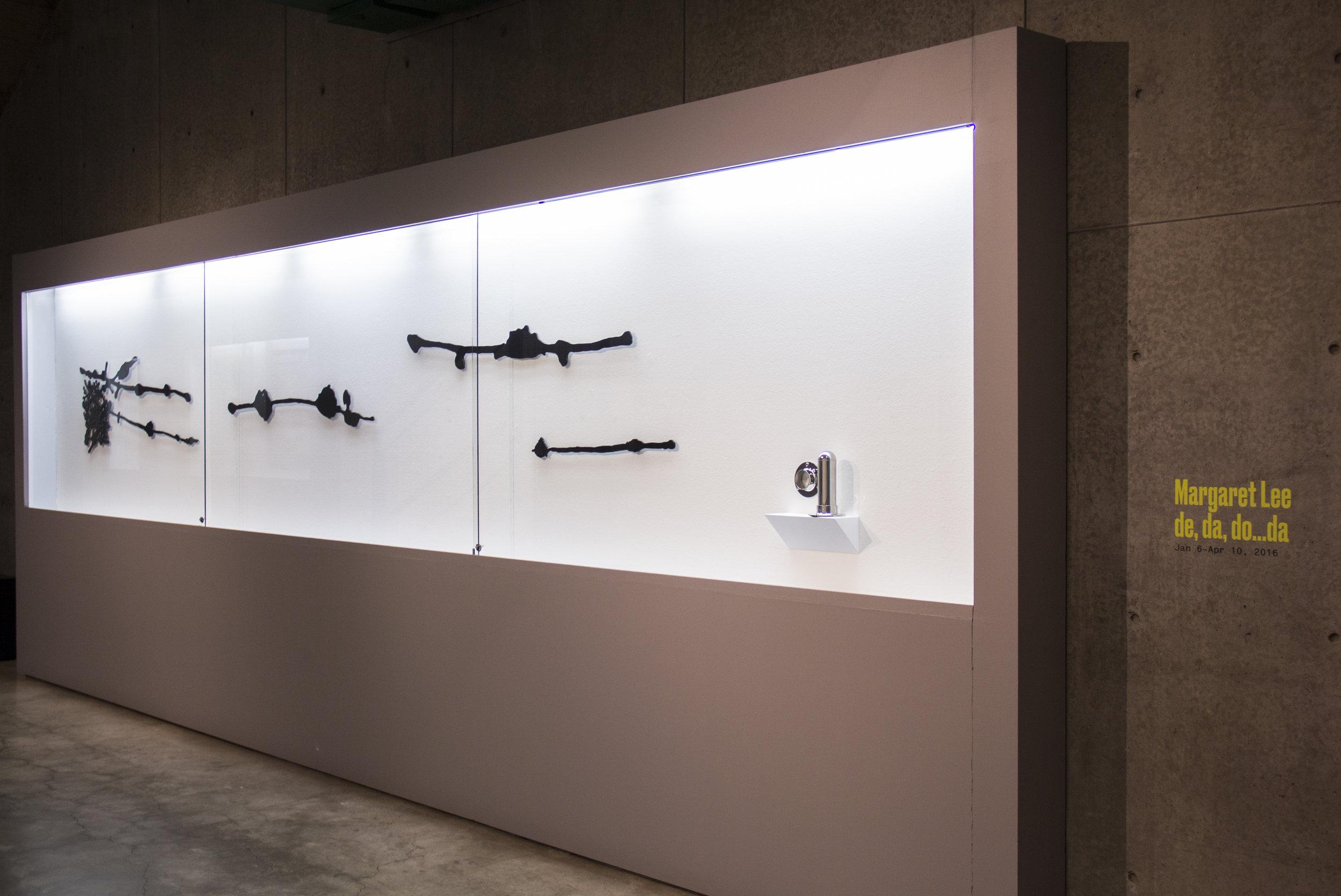 Installation view: Margaret Lee: de, da, do...da  (2016).