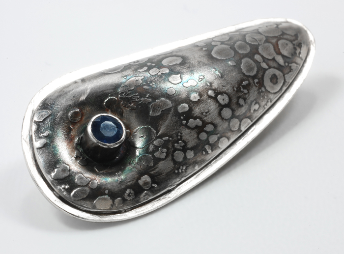 "Pillow  pendant, sterling silver, Thai sapphire, ¾"" x 1¾"", 2010"
