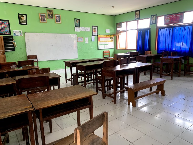 Classrooms are clean and well lit, but are basic and limited with regard to school supplies and teaching aides.