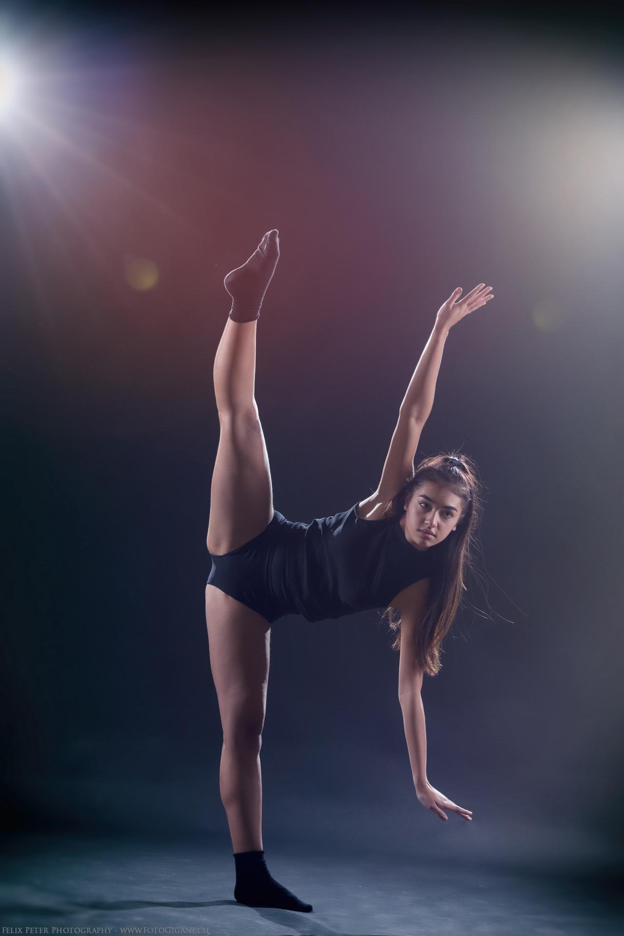 Felix-Peter-Yoga-Pilates-Dance-Fotografie_Bern_095.jpg