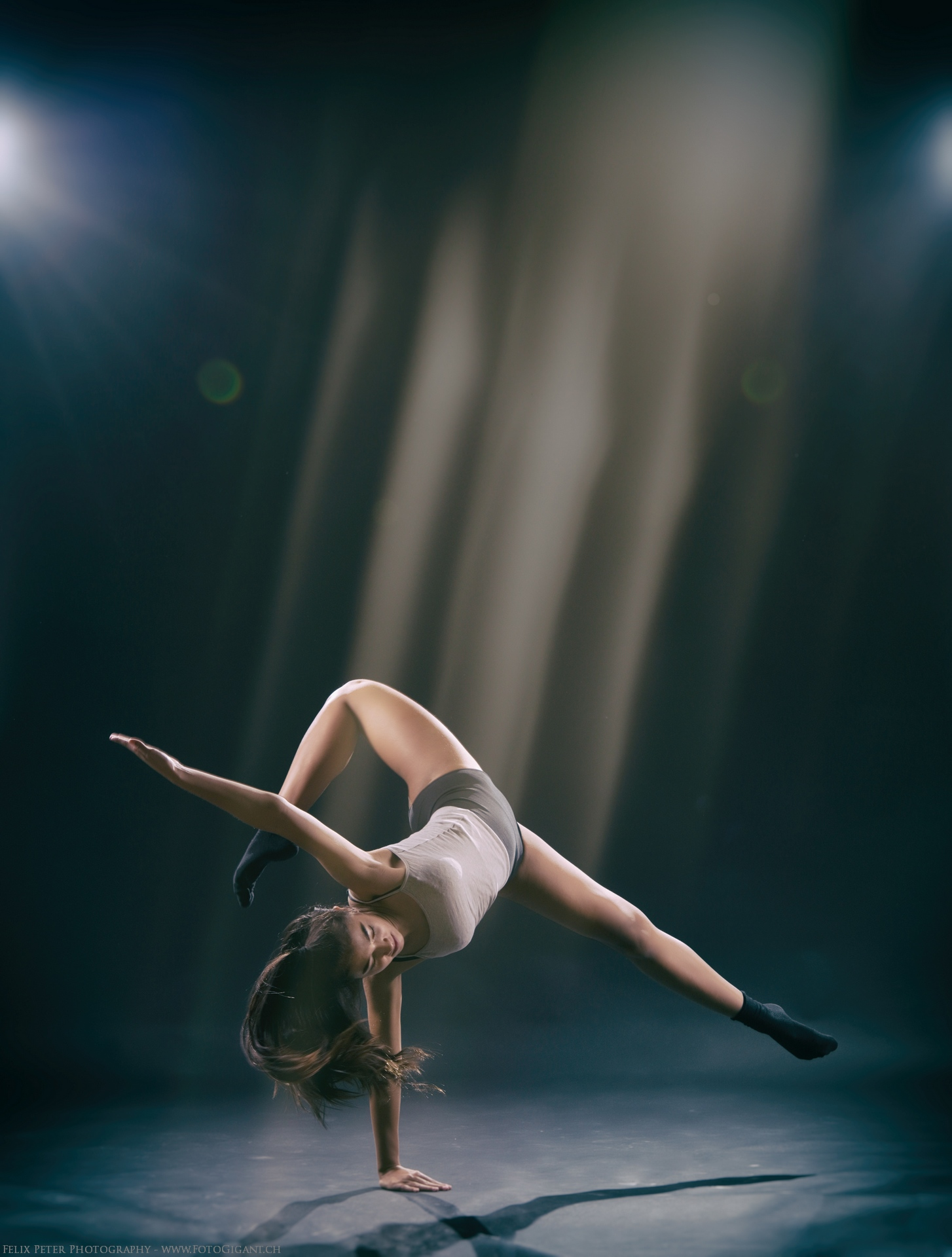Felix-Peter-Yoga-Pilates-Dance-Fotografie_Bern_096.jpg