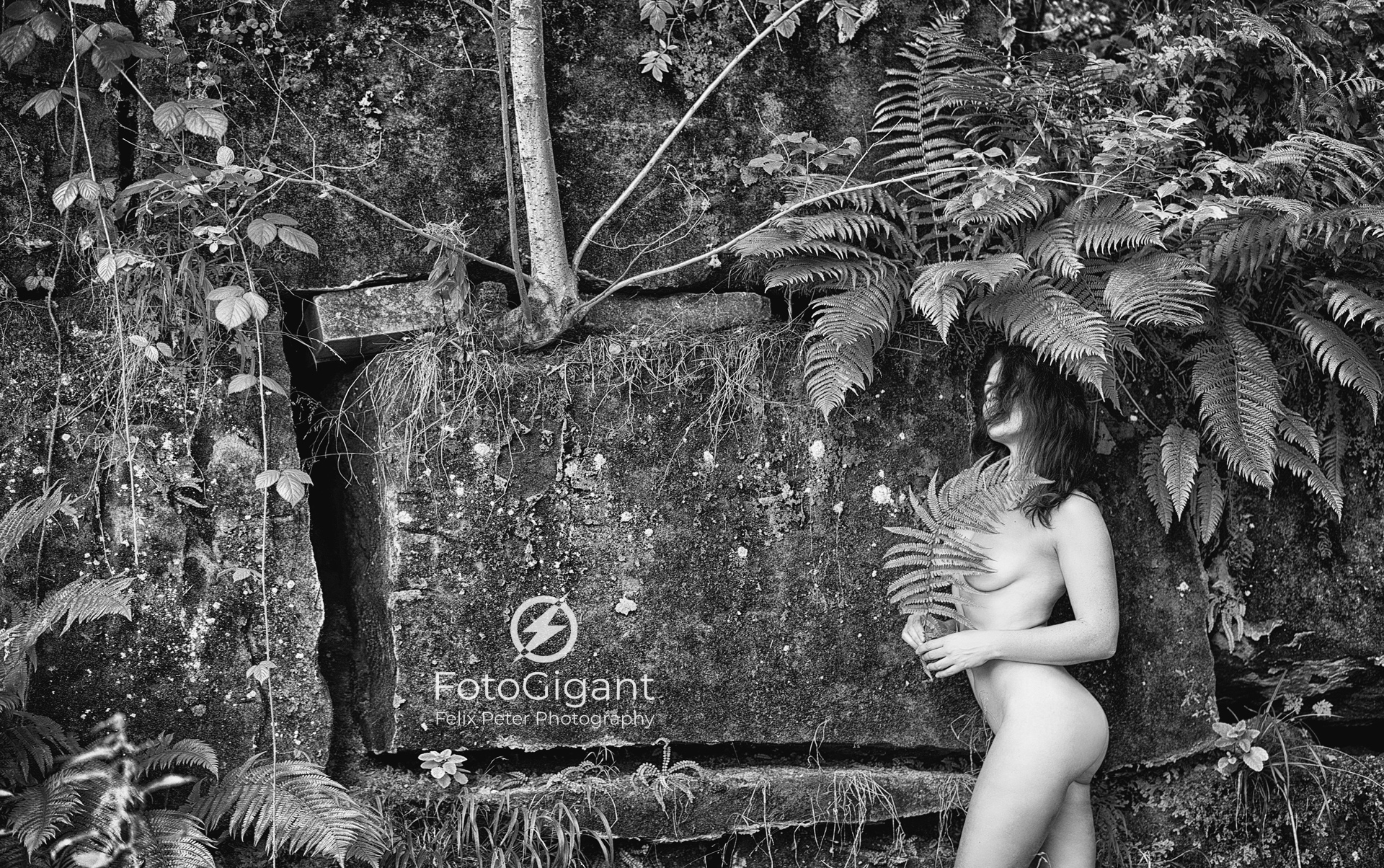 NudeArt_Outdoor_on-the-Rocks_05.jpg