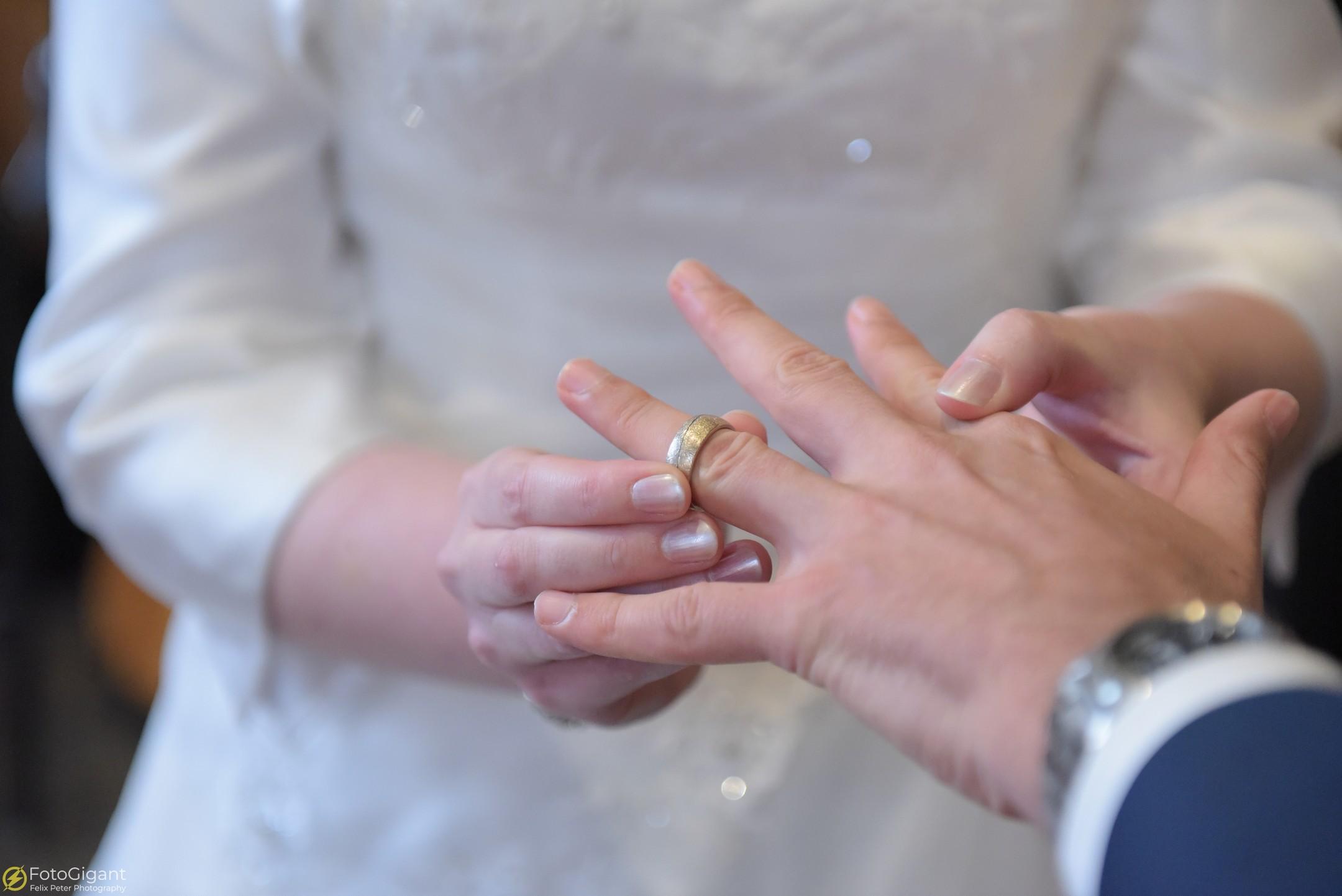 Hochzeitsfotograf_Frutigen_Bern_15.jpg