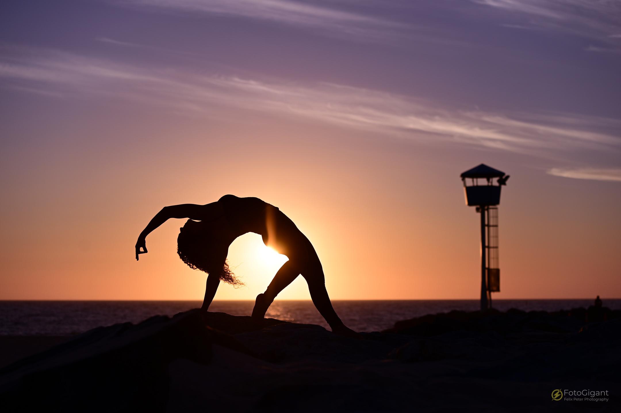 Pilates_Yoga_Silhouettes_04.jpg