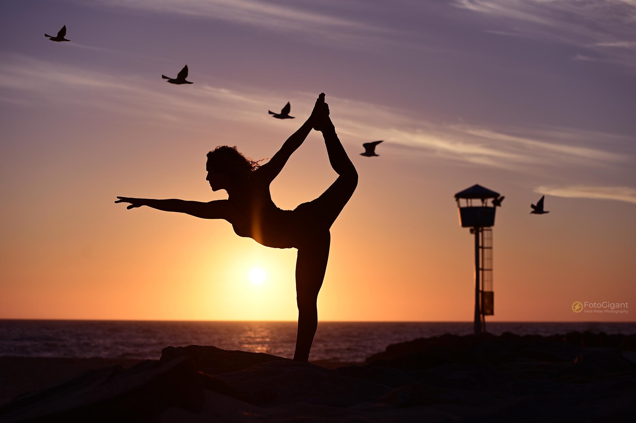Pilates_Yoga_Silhouettes_05.jpg