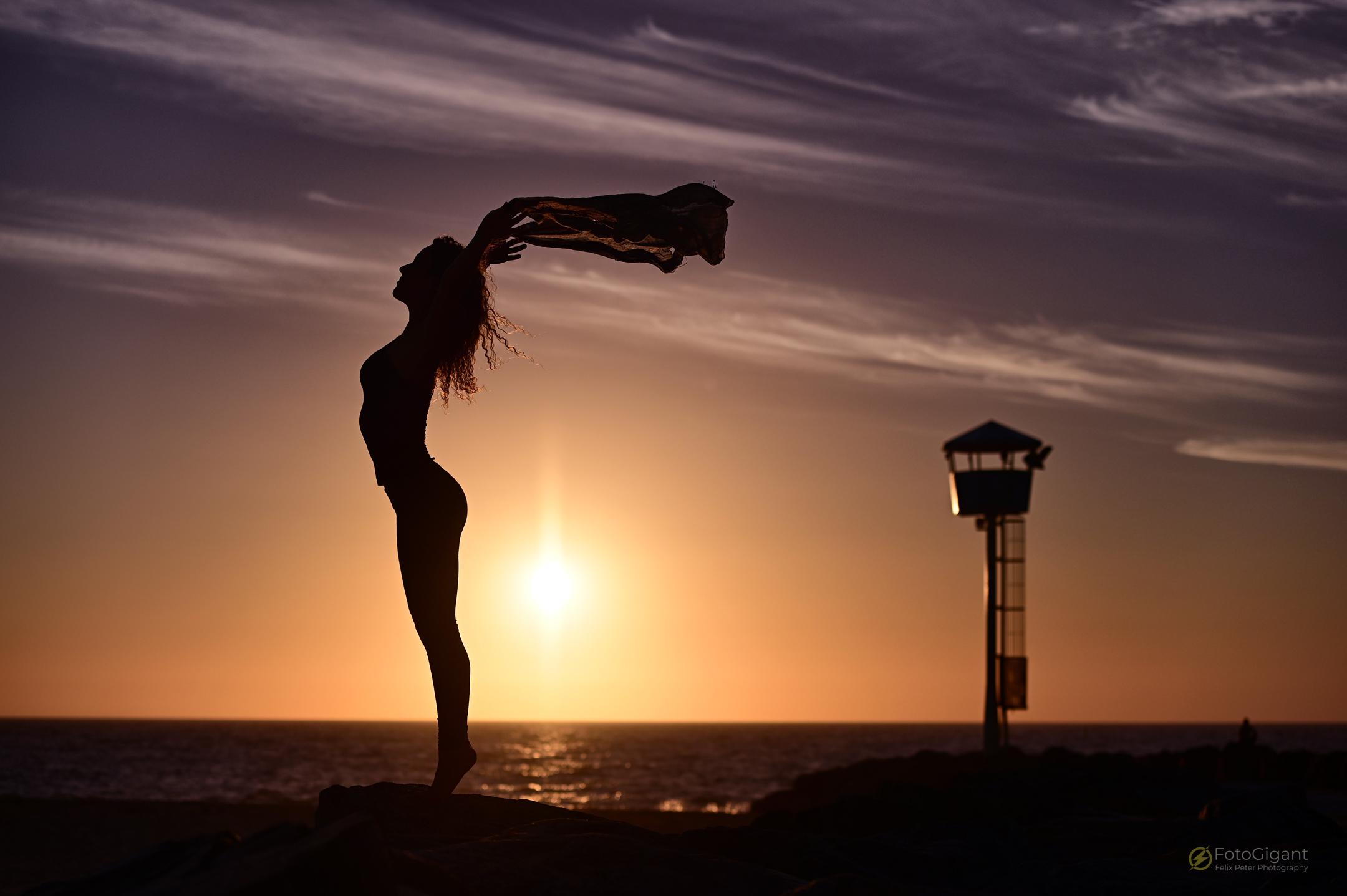 Pilates_Yoga_Silhouettes_03.jpg