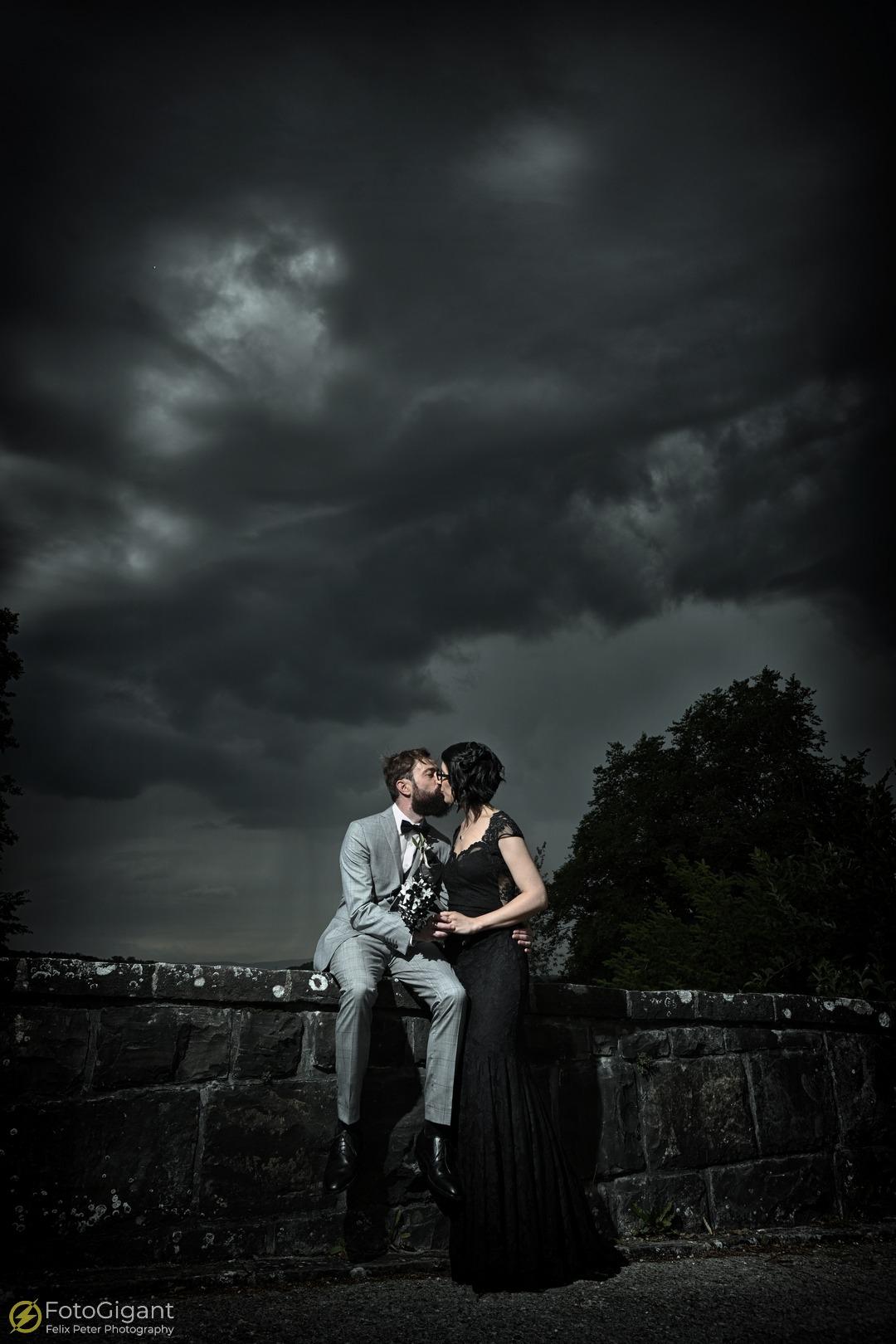 Hochzeitsfotografie_Schloss-Laupen_12.jpg