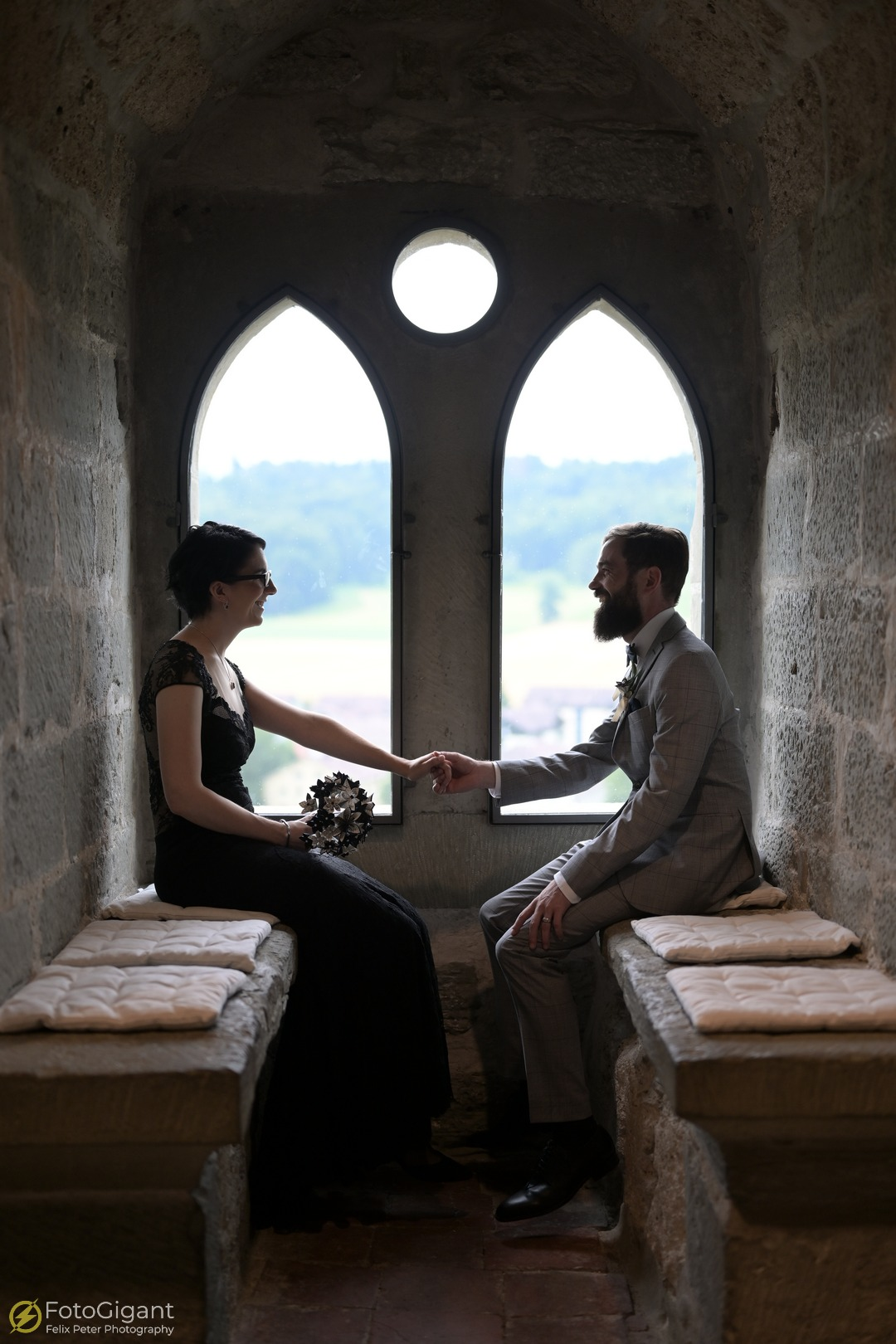 Hochzeitsfotografie_Schloss-Laupen_09.jpg