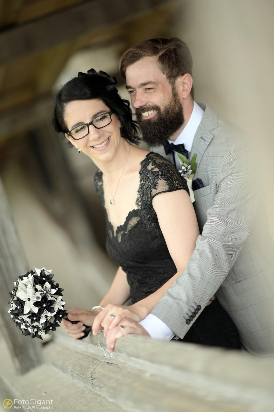 Hochzeitsfotografie_Schloss-Laupen_08.jpg