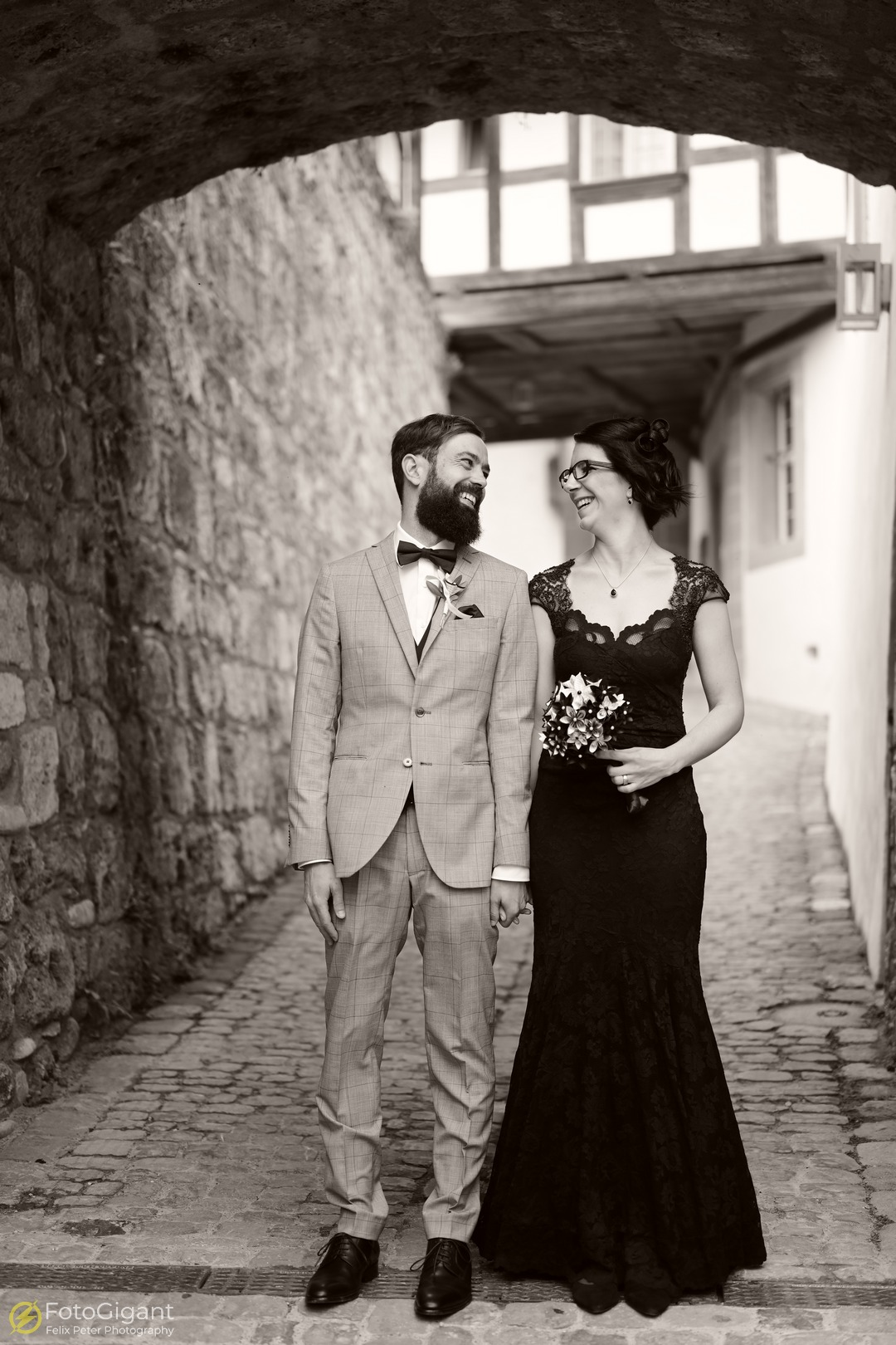 Hochzeitsfotografie_Schloss-Laupen_11.jpg