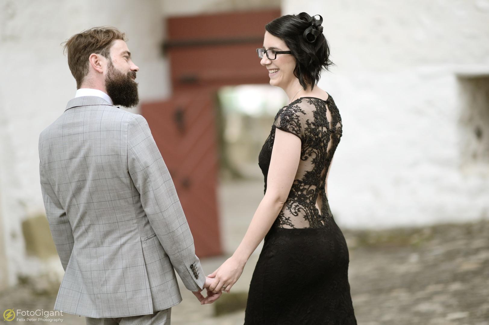 Hochzeitsfotografie_Schloss-Laupen_14.jpg
