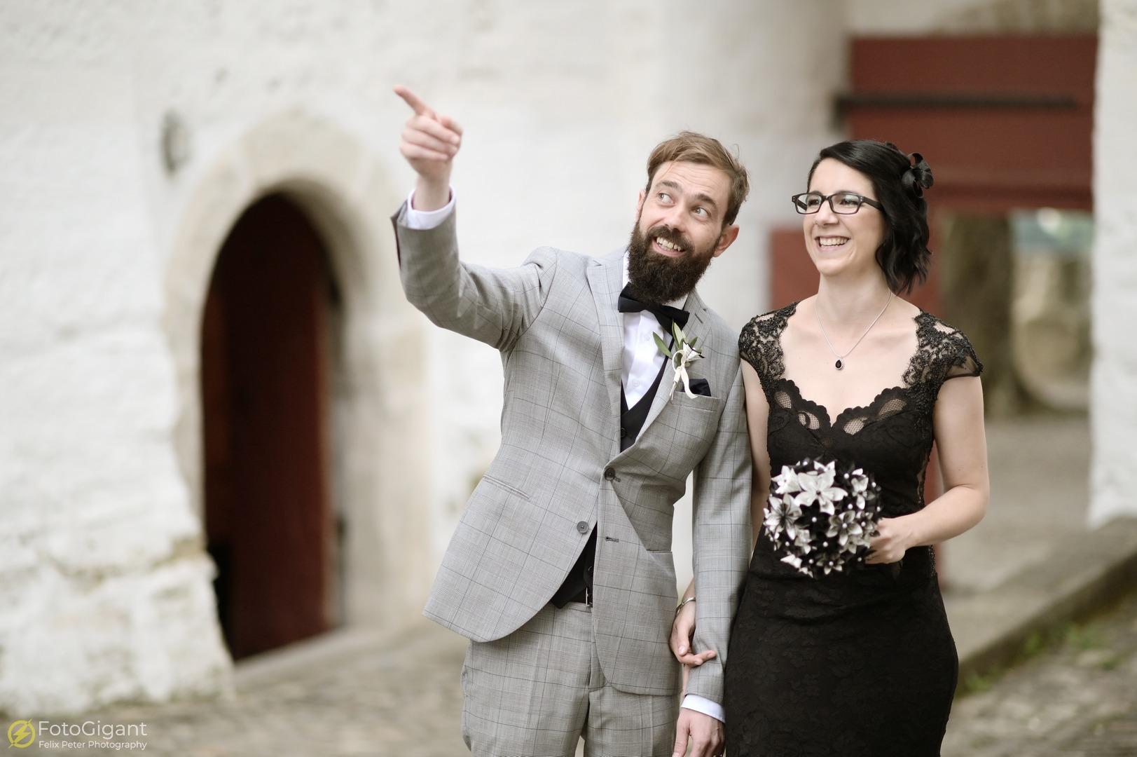 Hochzeitsfotografie_Schloss-Laupen_15.jpg