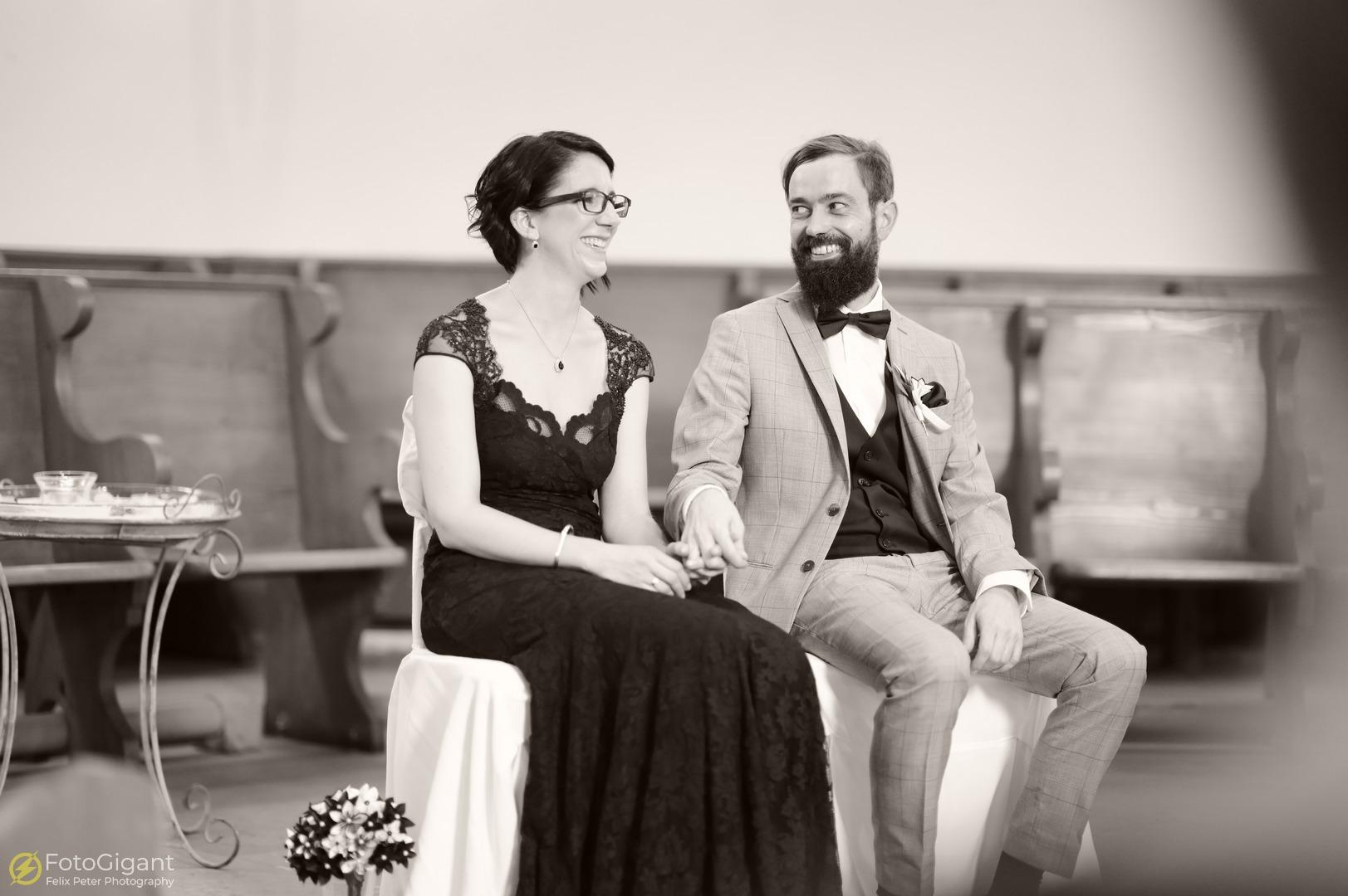 Hochzeitsfotografie_Schloss-Laupen_16.jpg