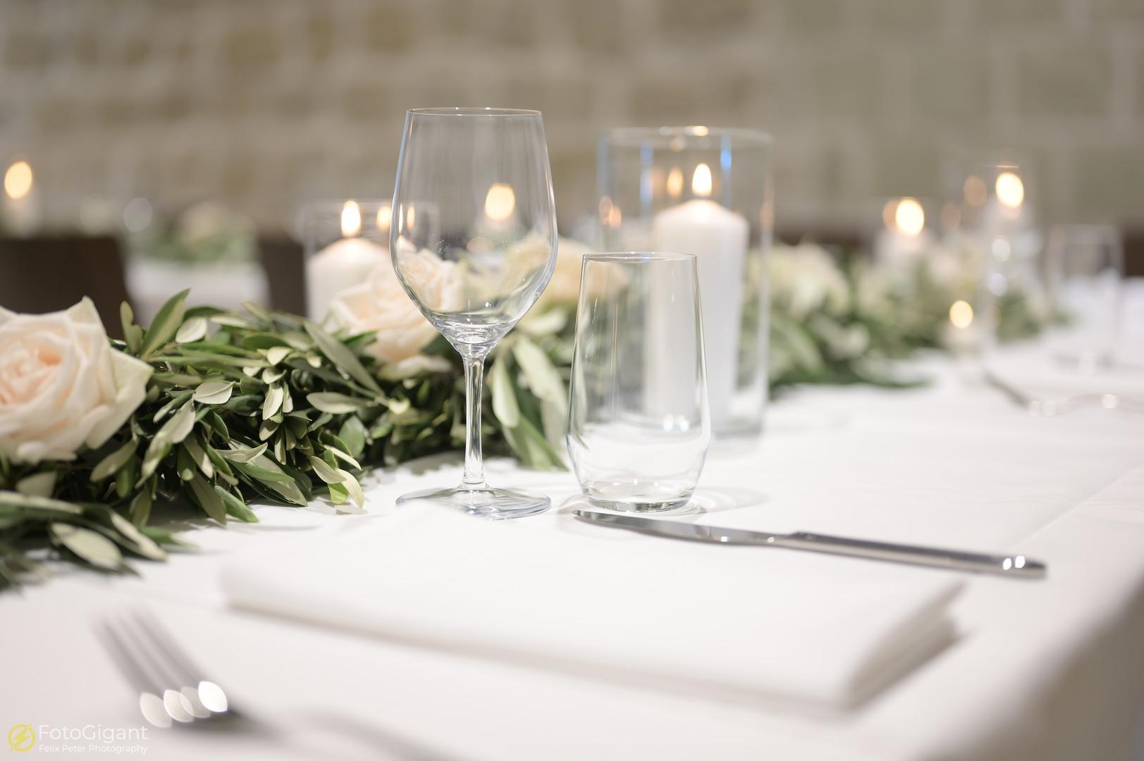 Hochzeitsfotografie_Schloss-Laupen_30.jpg