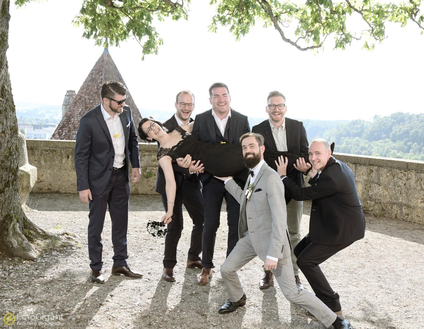 Hochzeitsfotografie_Schloss-Laupen_28.jpg