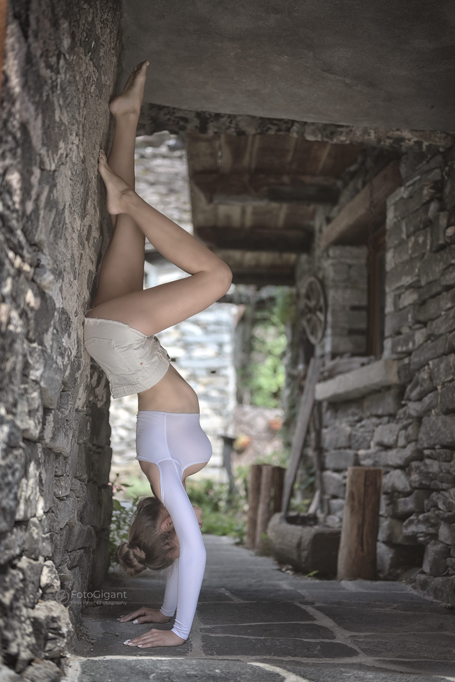 NudeArt_Verzasca_Maggia_16.jpg