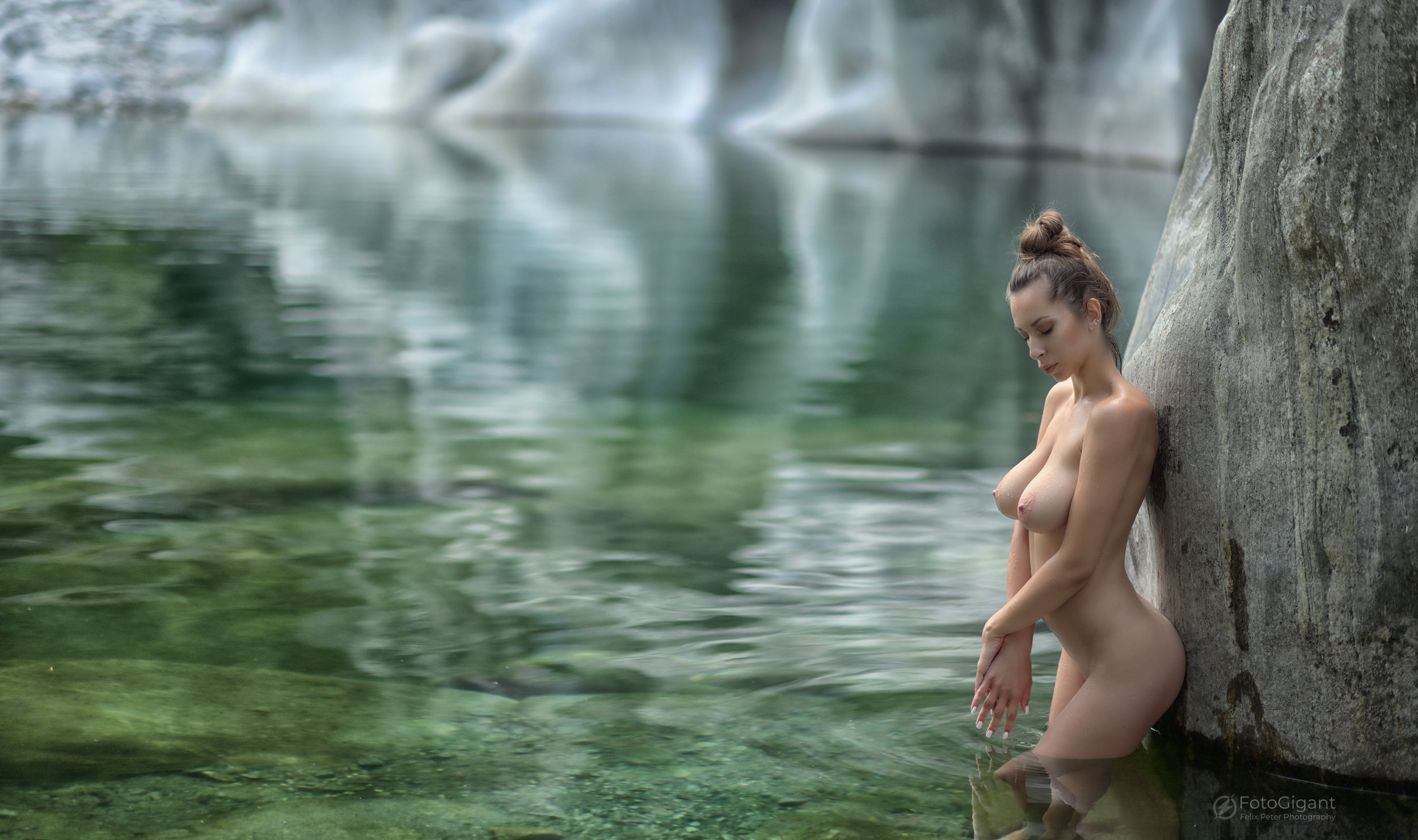 NudeArt_Verzasca_Maggia_22.jpg