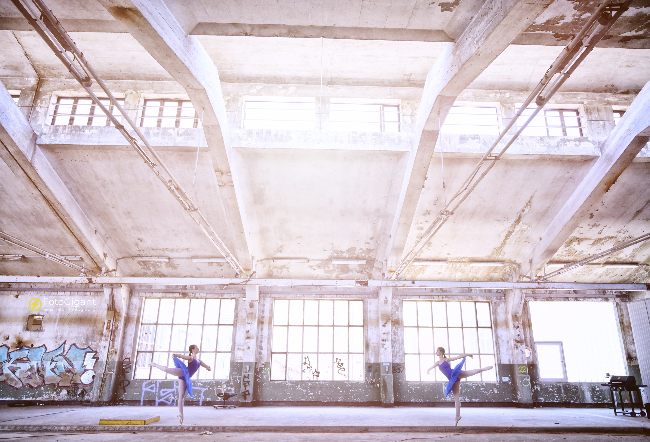 Balletdancer_in_Lostplace_11.jpg