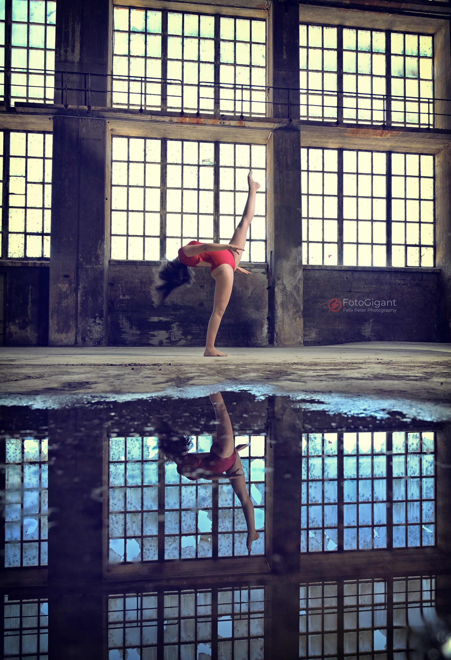 Balletdancer_in_Lostplace_18.jpg