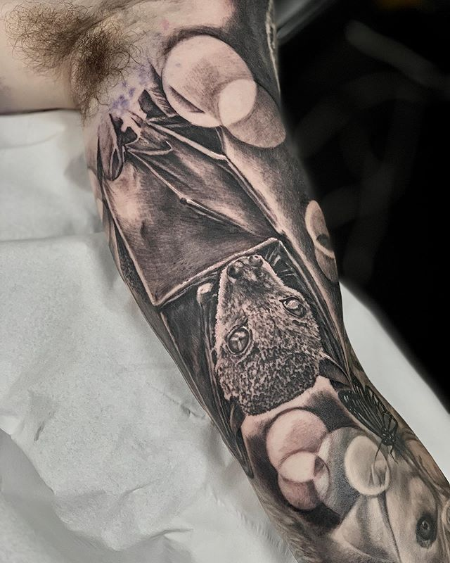 Bat on Alex. Thanks man #tattoo#tattoos#tattooartist#chester#chestertattoo#skinartmag #uktta #bng#blackandgrey @skinart_mag @skinart_collectors @uktta @worldfamousink @bng.script.tattoos #nnnnnn
