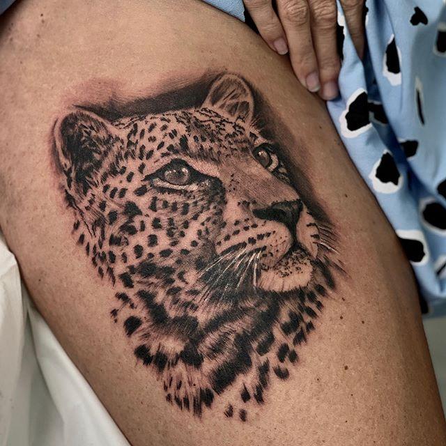 Fun leopard piece #tattoo#tattoos#tattooartist#leopard#wildlife#animal#uktta#skinart_mag @skinart_collectors @skinart_mag @sullenclothing @inkedmag @uktta @butterluxe_uk