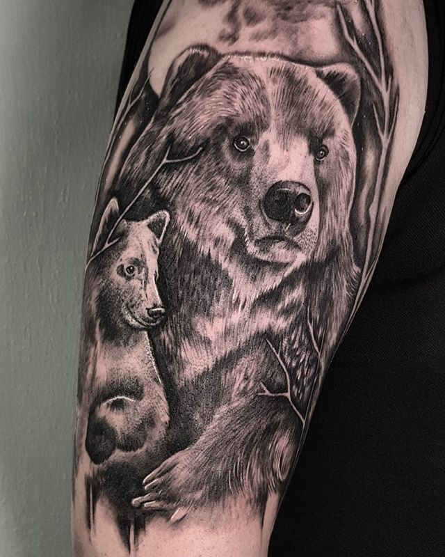 A bear and cub from today! Loved doing this one! My next full day is the 10th of September, and I have a few shorter spaces before then. DM me for bookings! . . . . . . #beartattoo #foresttattoo #forestsleeve #bearandcub #bearcub #bearcubtattoo