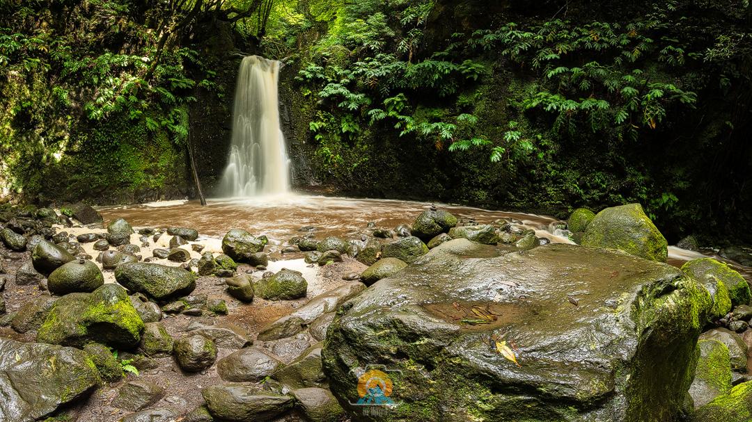 04.-Oktober-2018---Wasserfall-Azoren.jpg