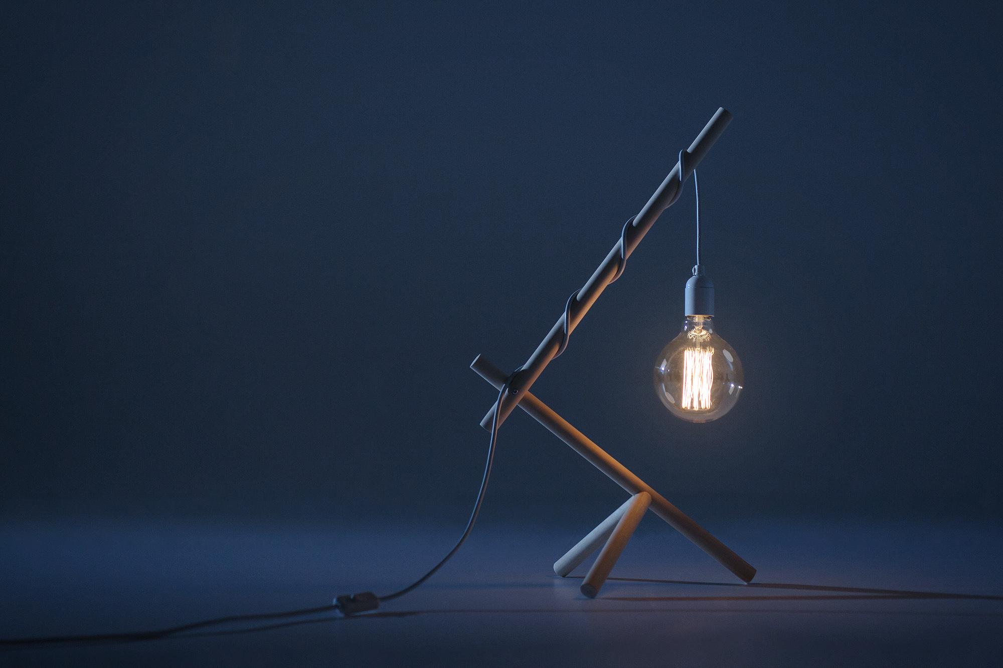 johannes-kaarakainen_aves-lamp