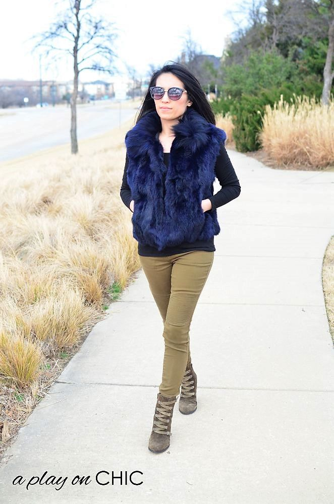 Blue-Faux-Fur-Vest-Green-Ankle-Boots-18.jpg
