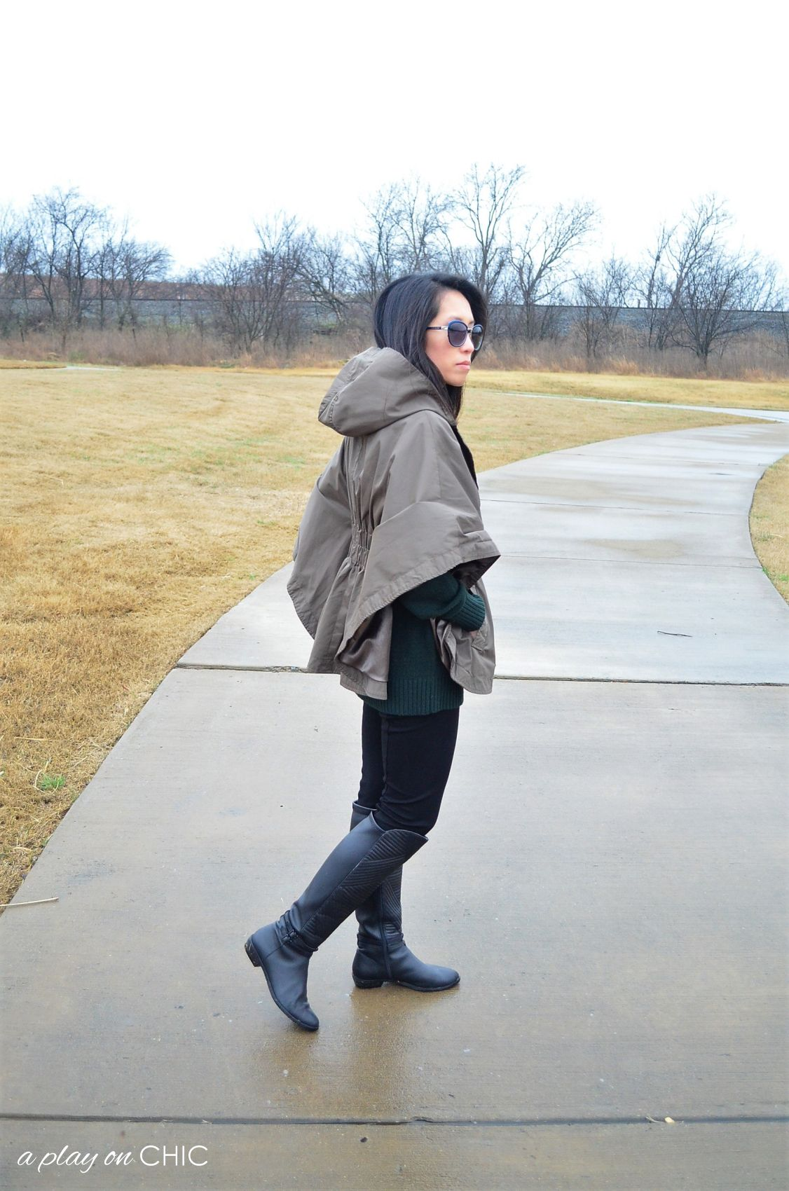 Rainy-Day-Outfit-Essentials-18.jpg