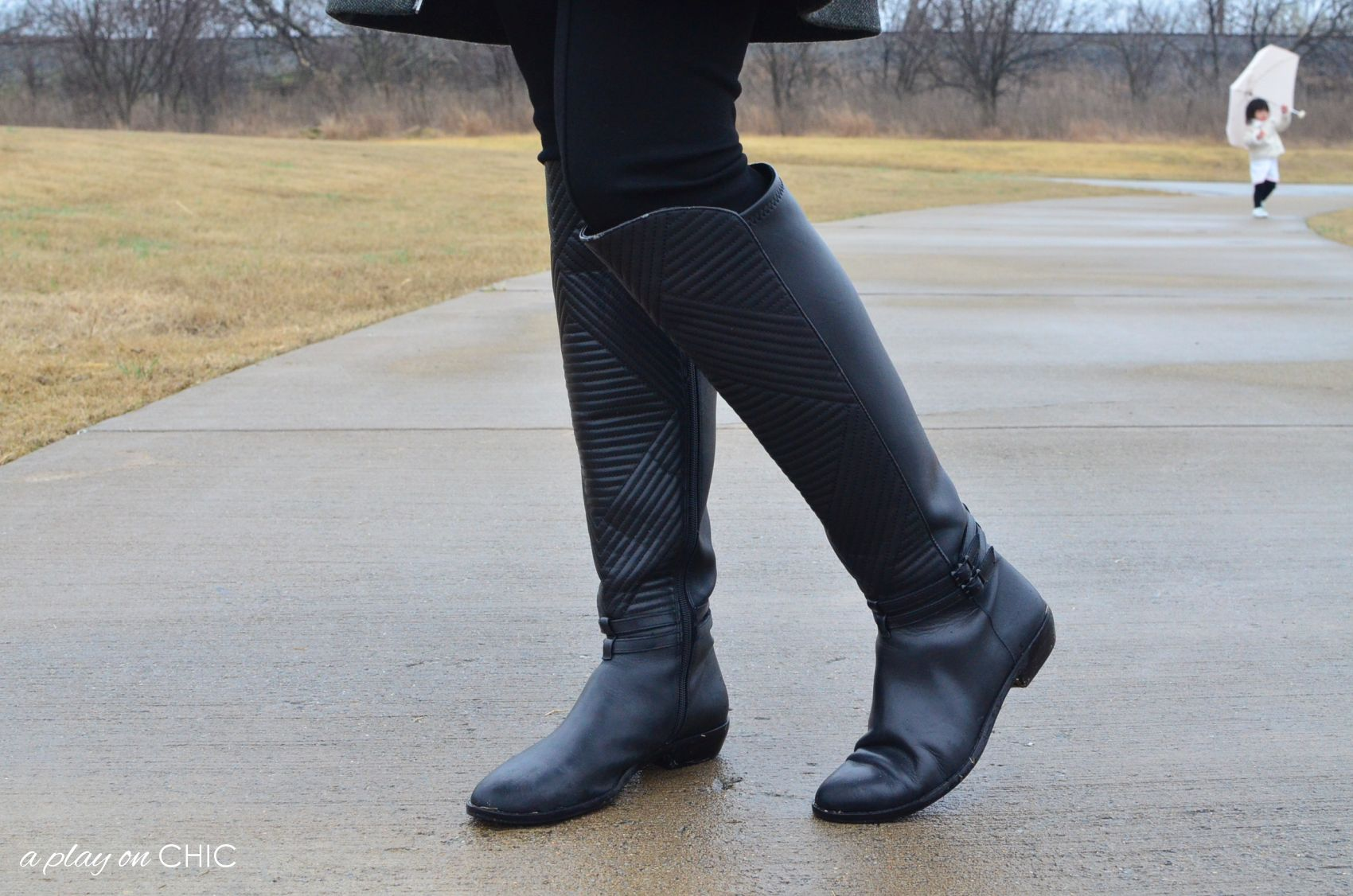 Rainy-Day-Outfit-Essentials-32.jpg