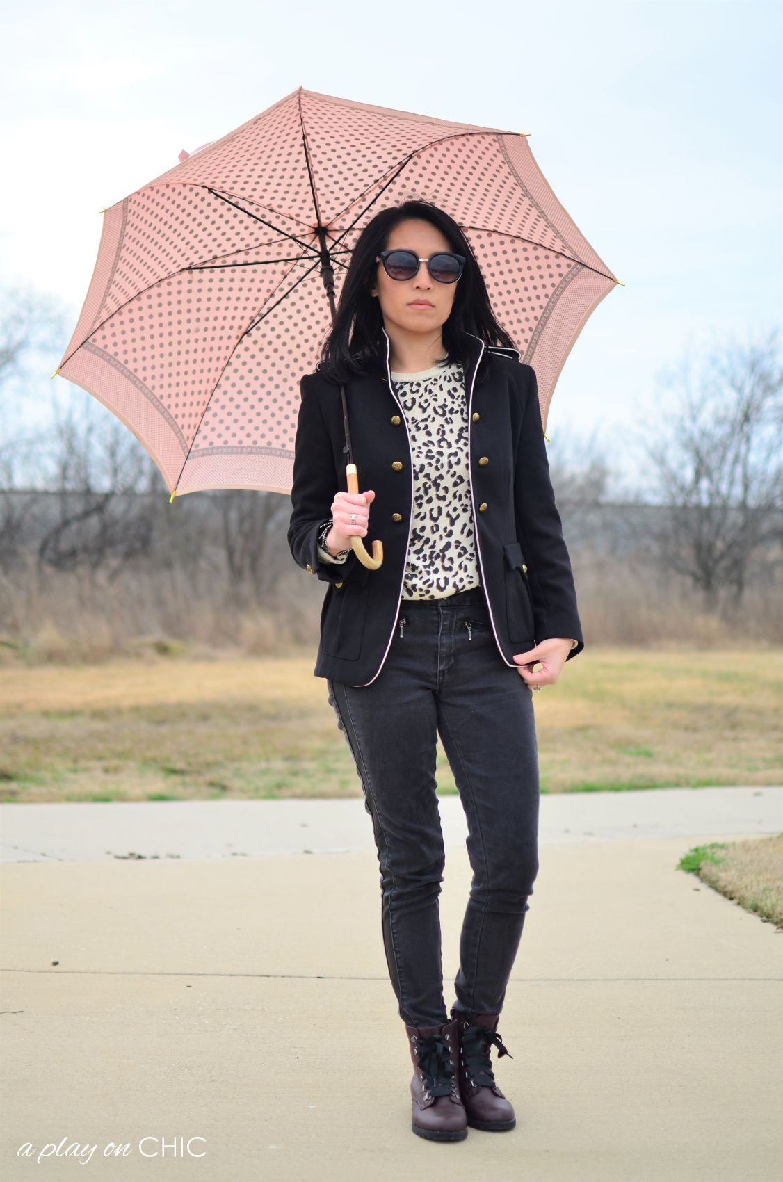 Rainy-Day-Outfit-Essentials-58.jpg