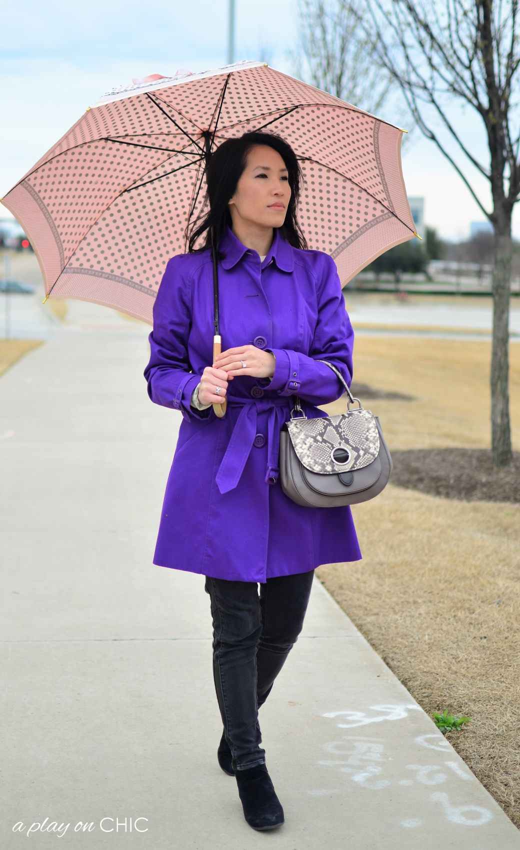 Rainy-Day-Outfit-Essentials-56.jpg