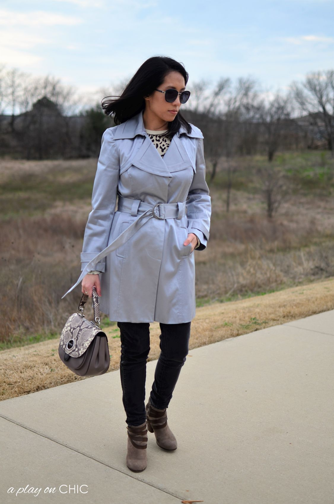 Rainy-Day-Outfit-Essentials-64.jpg