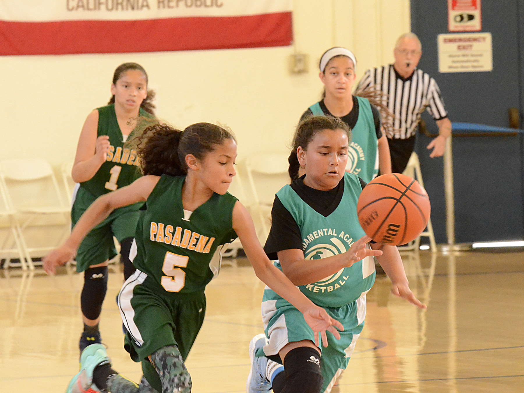 Basketball - Girls B_5.jpg