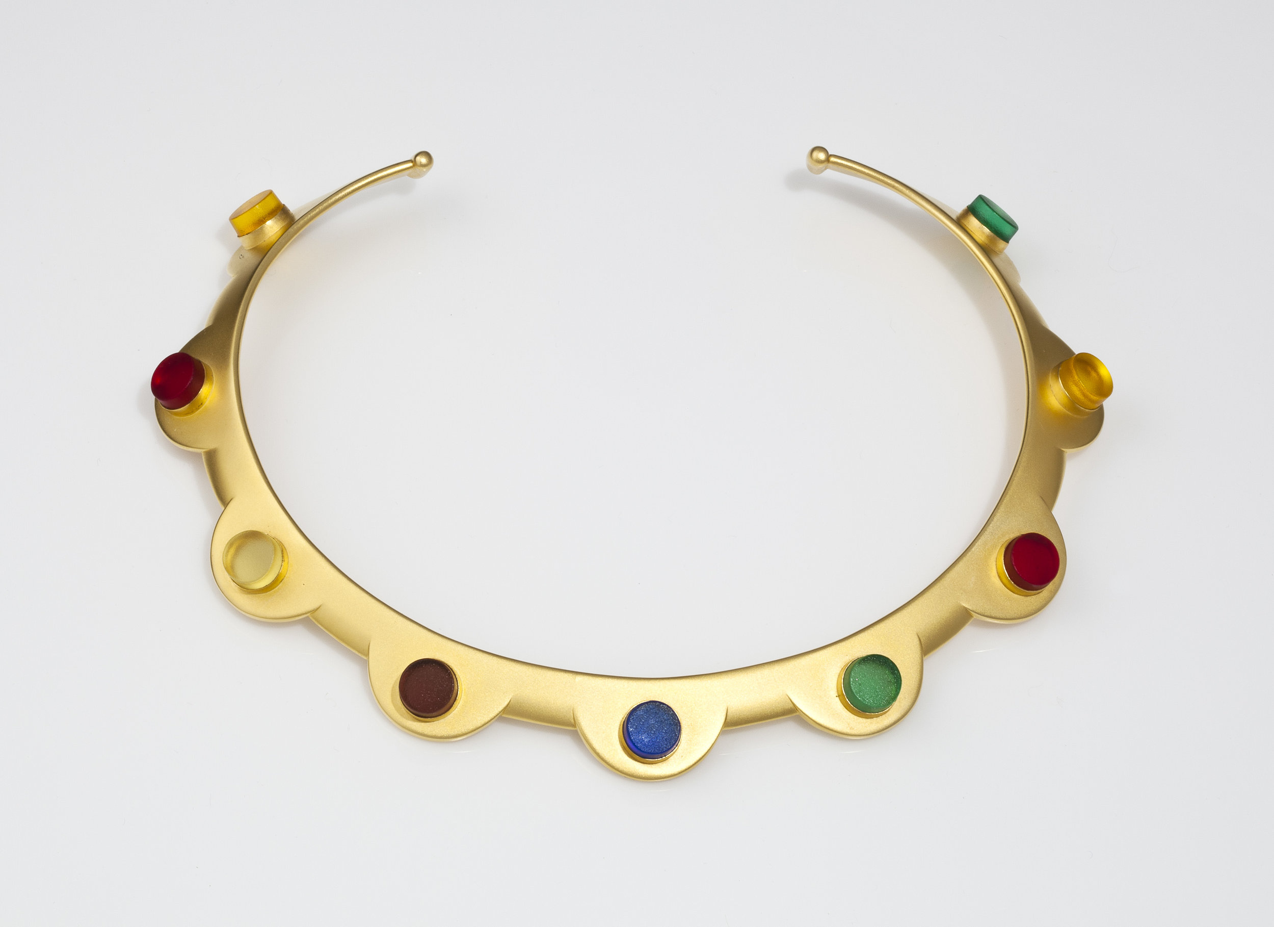 "Linda MacNeil (American, born 1954).  Collar No. 10  from ""Neck Collar"" series. Plate glass and 24k gold-plated brass; 5 3/4 x 7 1/2 x 3/4 in. Courtesy of the artist. Photo by Michael Tropea, Chicago."