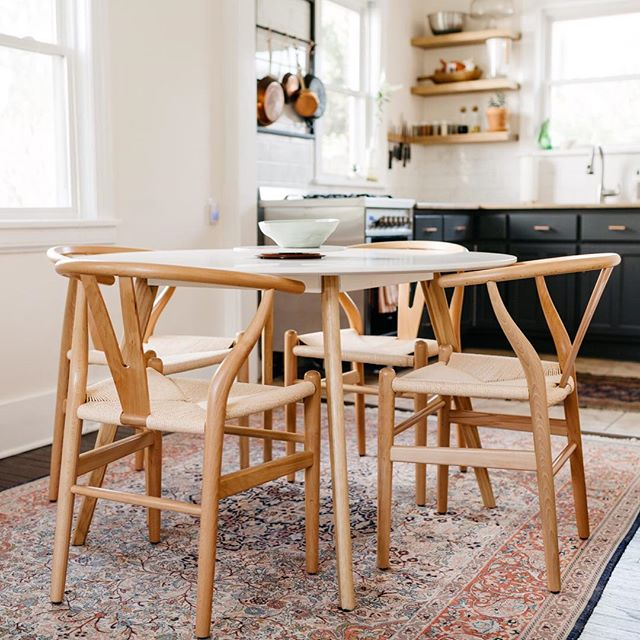 For the last two years at least three people a week have asked me where to find this table...and I couldn't remember because I purchased it four years ago...but y'all!!!! I FOUND IT!! It's listed on my store under furniture!! 🙌🏼🙌🏼 hope you all enjoy it as much as I have. 🧡🧡 . . @carrie_radford #acozycasa #simplystyleyourspace #urbanjungle #thatsdarling #dametraveler #cntraveler #airbnb #mytinyatlas #darlingescapes #inspiredinteriors #myBHG #gatheringslikethese #habitandhome #thisishome #welllived #passionpassport #myhousebeautiful #sodomino #apartmenttherapy #interiorinspo #homedecor #homestyling #theeverydaygirl #designsponge #homepolish #design #interiors #homeplanthournal #plants