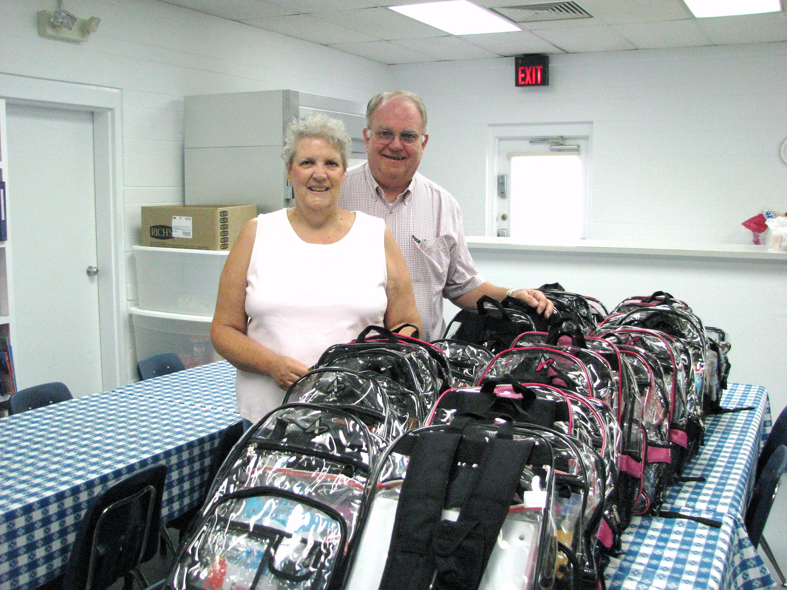 Anglican-Church-of-the-Redeemer-Book-Bag-Delivery-09-005.jpg