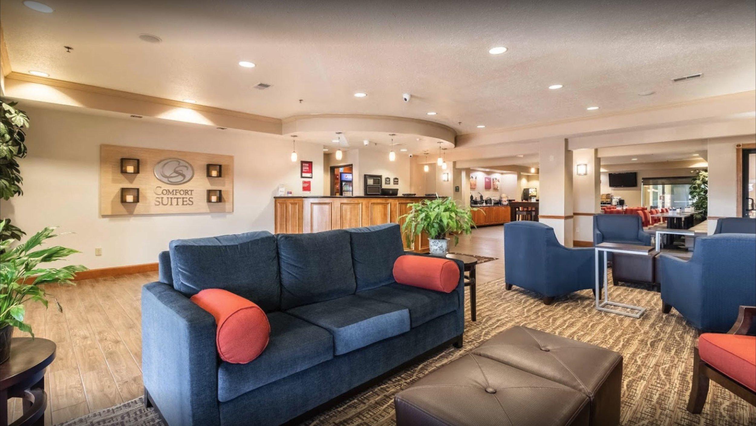 comfort-suites-04.JPG
