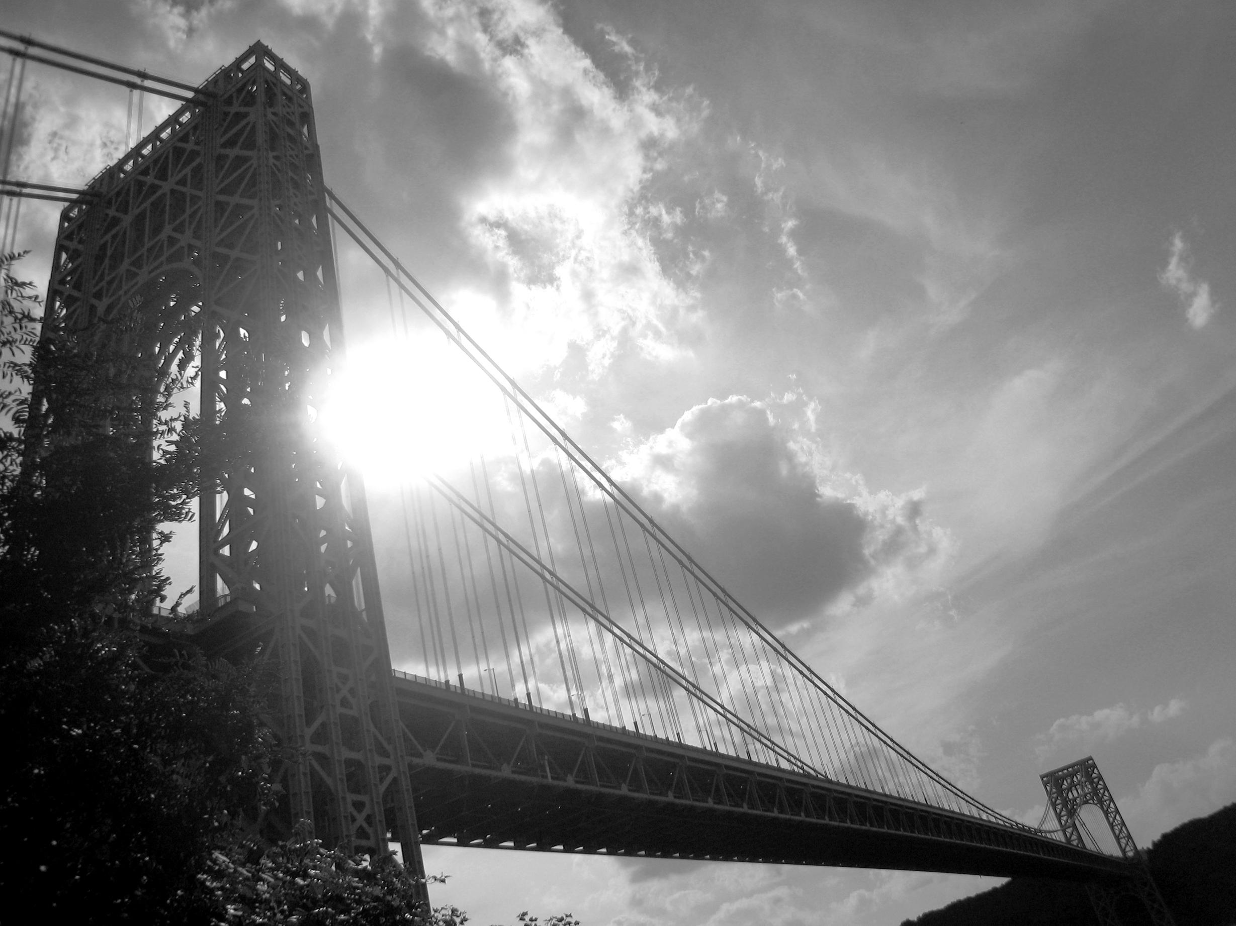 Washington_Bridge_BW.jpg