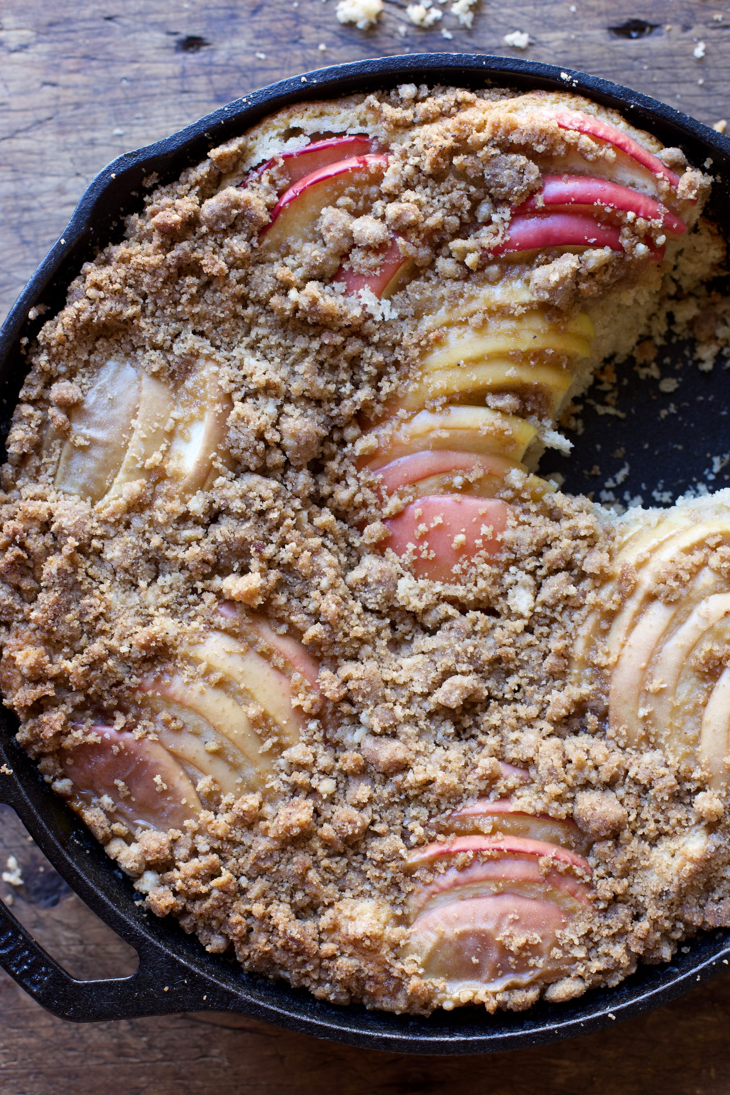 BROWN BUTTER APPLE BUCKLE - A perfect fall recipe to get you excited for the new season!