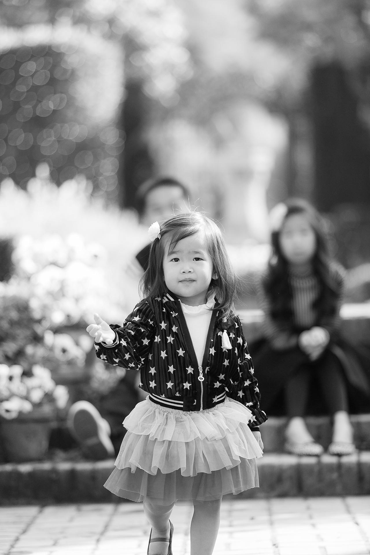 Fioli_Gardens_Woodside_Children_and_Family_Portrait_012.jpg