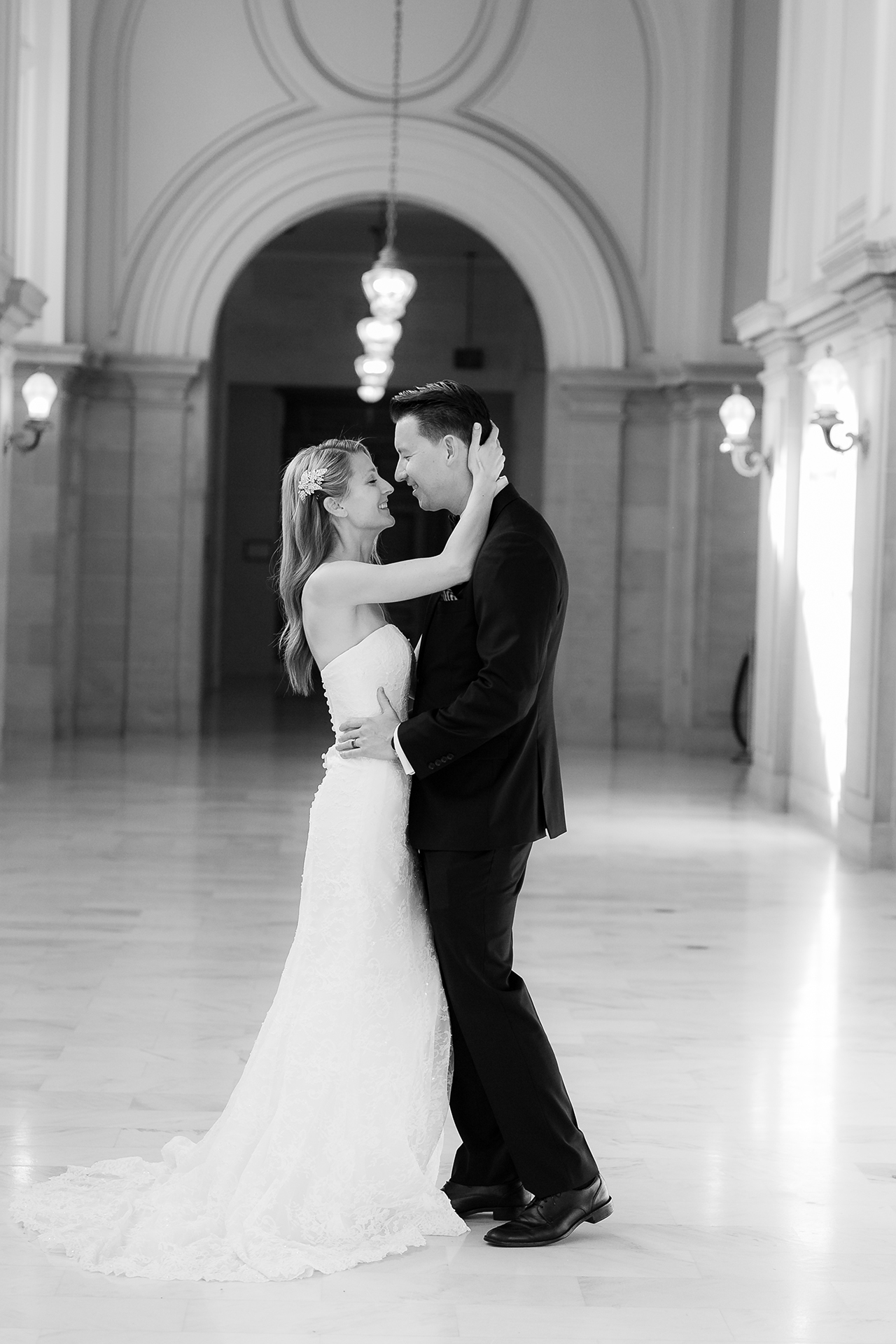 San_Francisco_City_Hall_Wedding_007.jpg