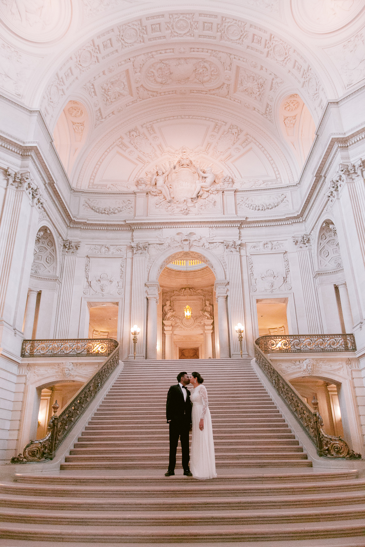 San_Francisco_City_Hall_Wedding_004.jpg