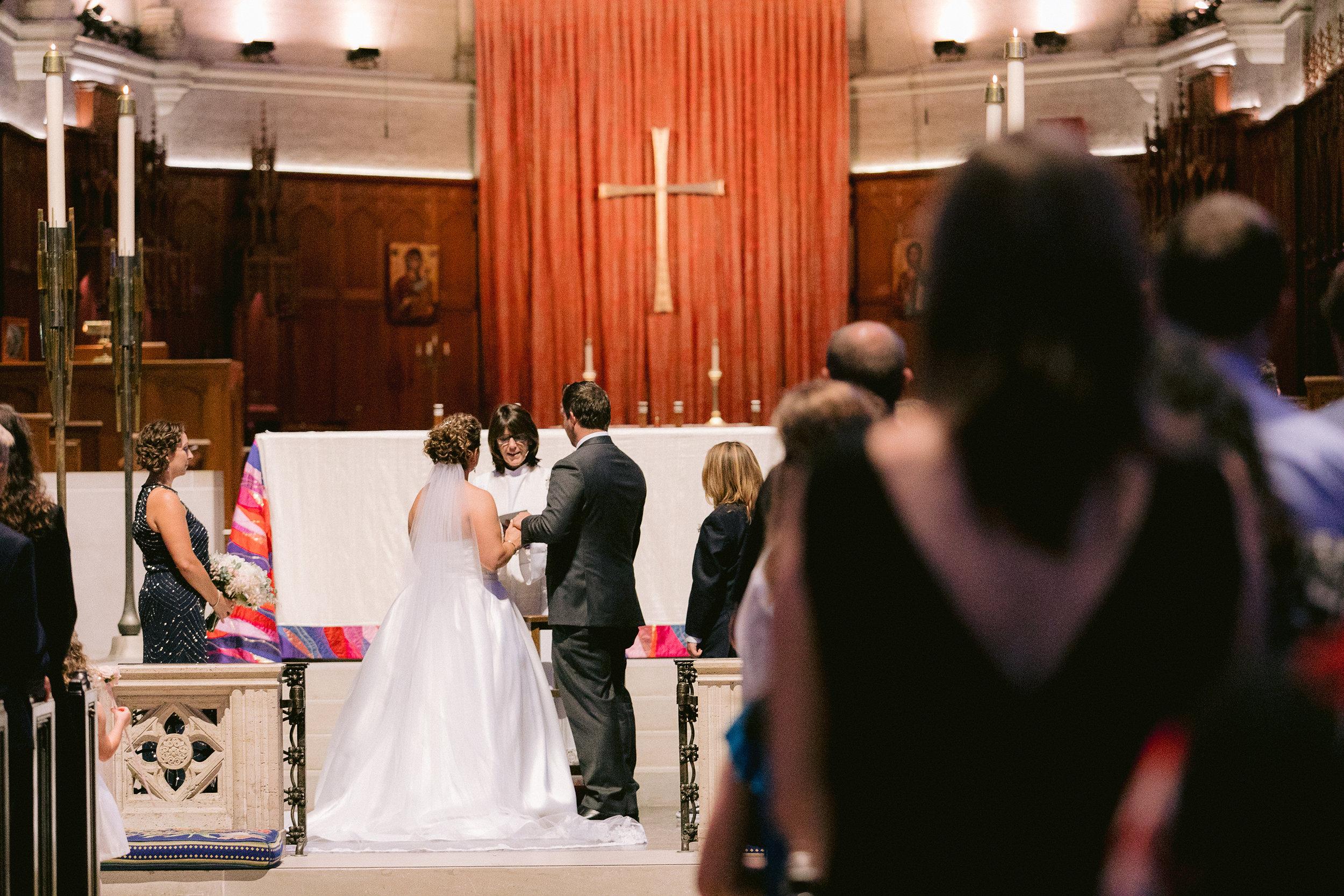 Grace_Cathedral_Tarra_Gallery_Wedding_013.jpg