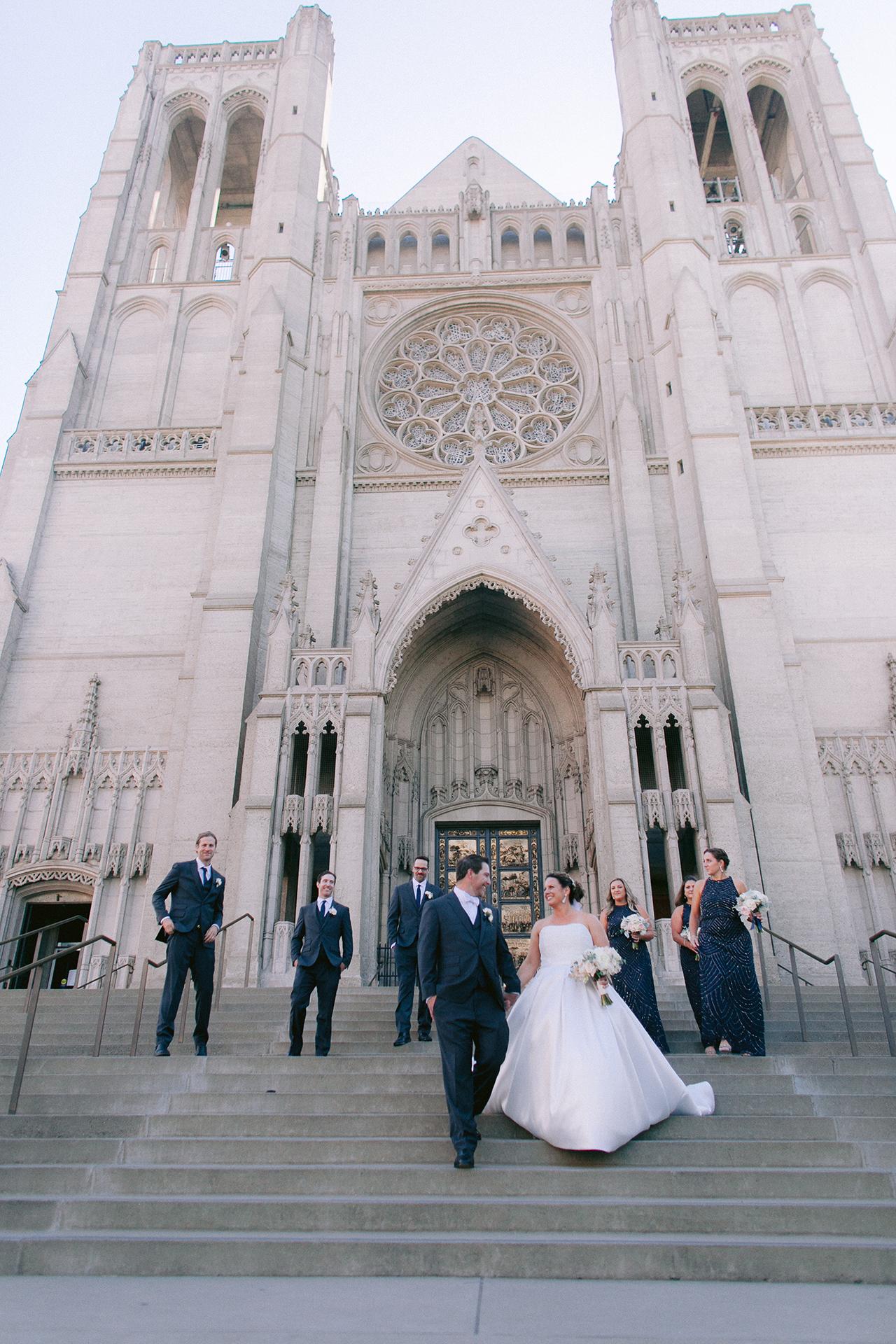 Grace_Cathedral_Tarra_Gallery_Wedding_019.jpg