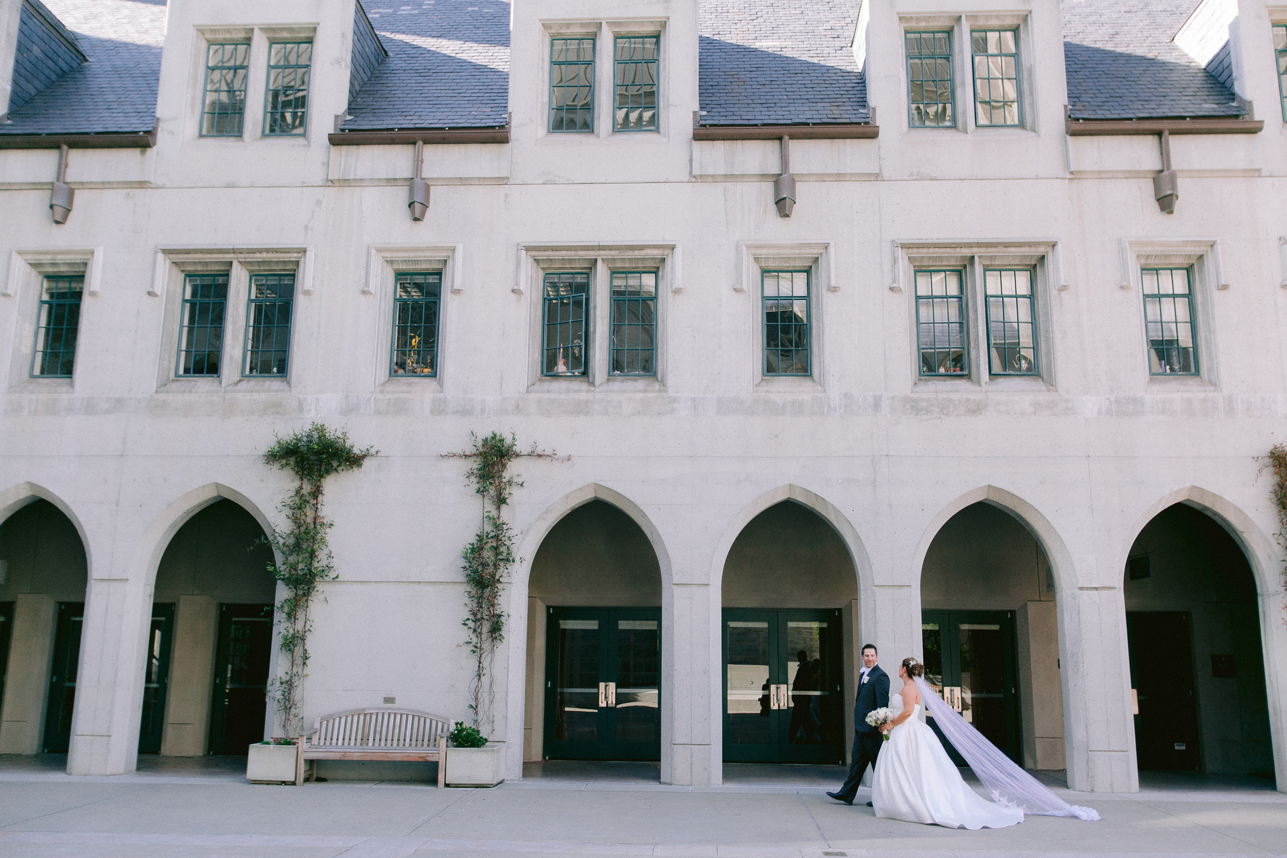 Grace_Cathedral_Tarra_Gallery_Wedding_024.jpg